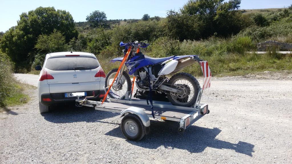 Rimorchio pieghevole trasporto moto